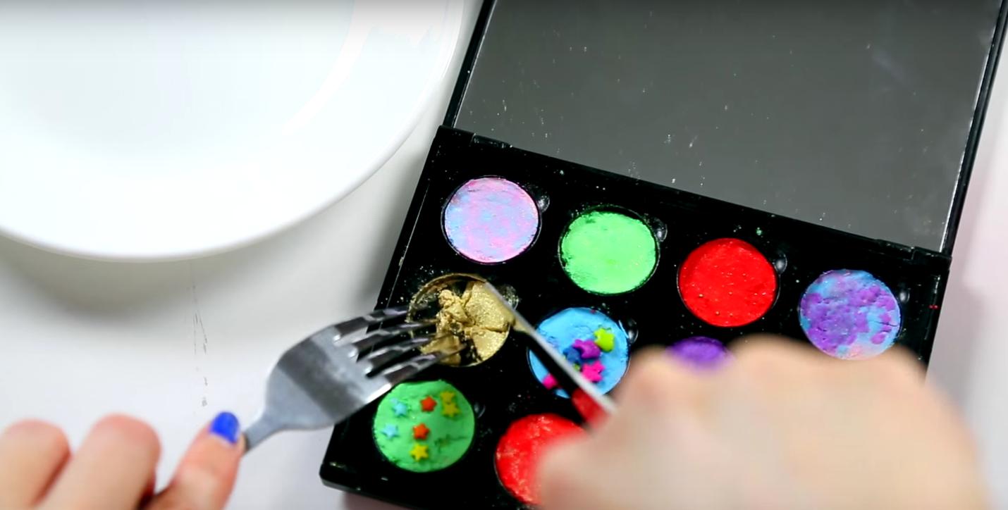 DIY Edible Eye Shadow Video - GlitterForever17